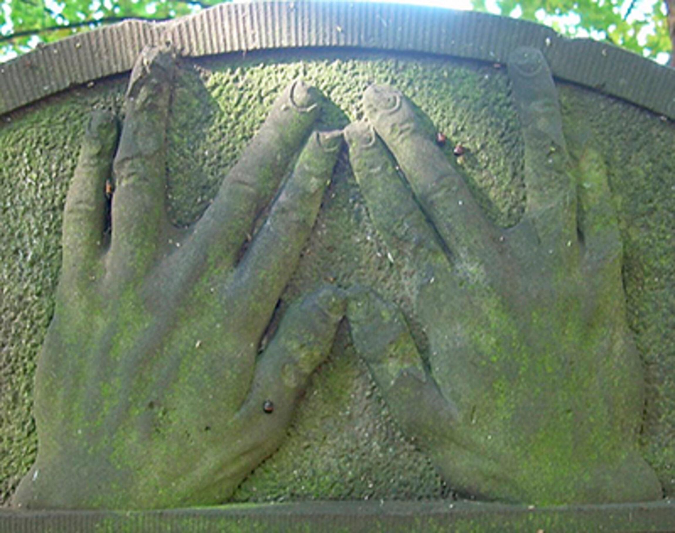 Segnende-Hände_rehbein_web