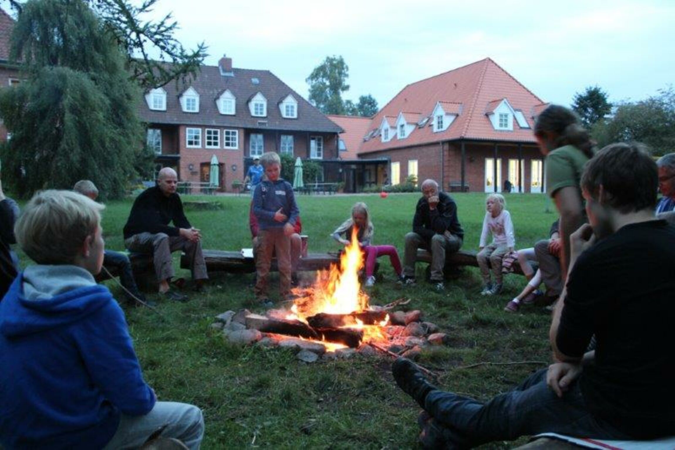 "Lagerfeuer mit Papa ""on tour"""