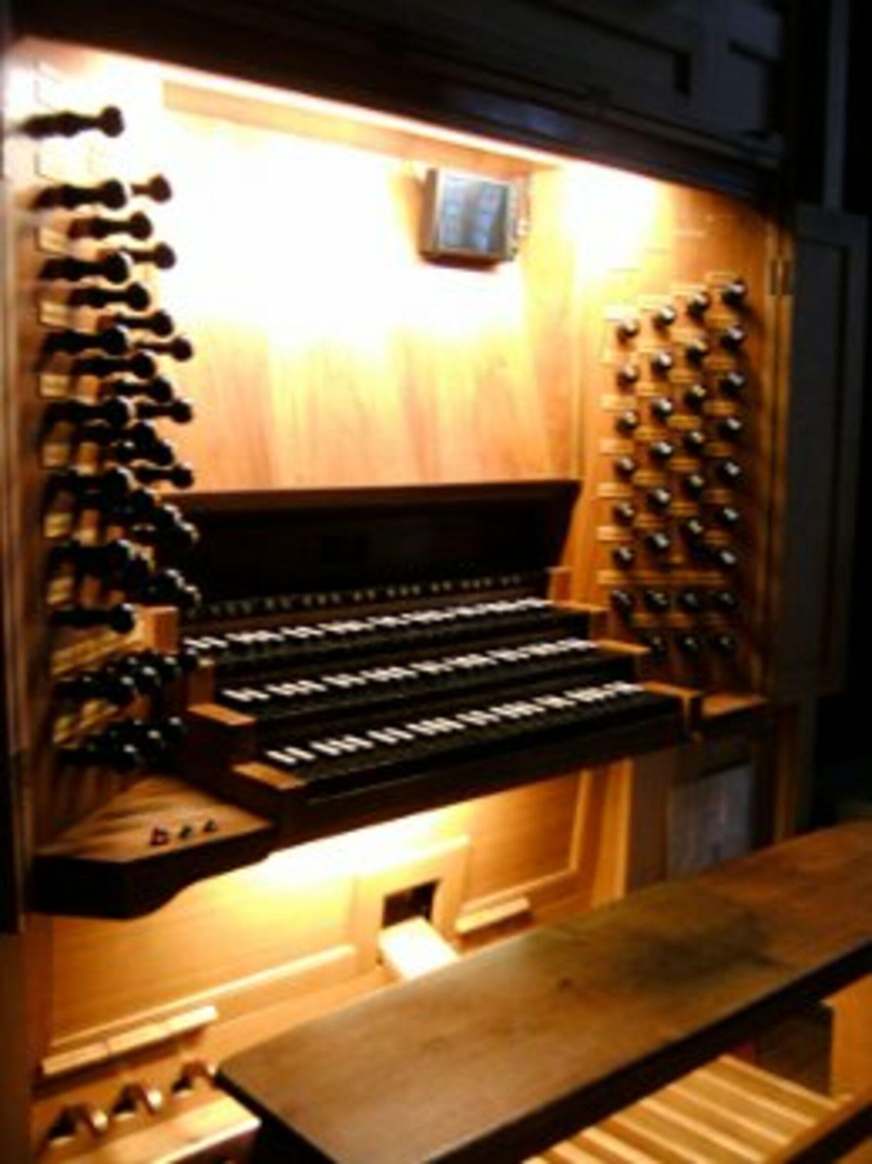 ott_orgel_spieltisch