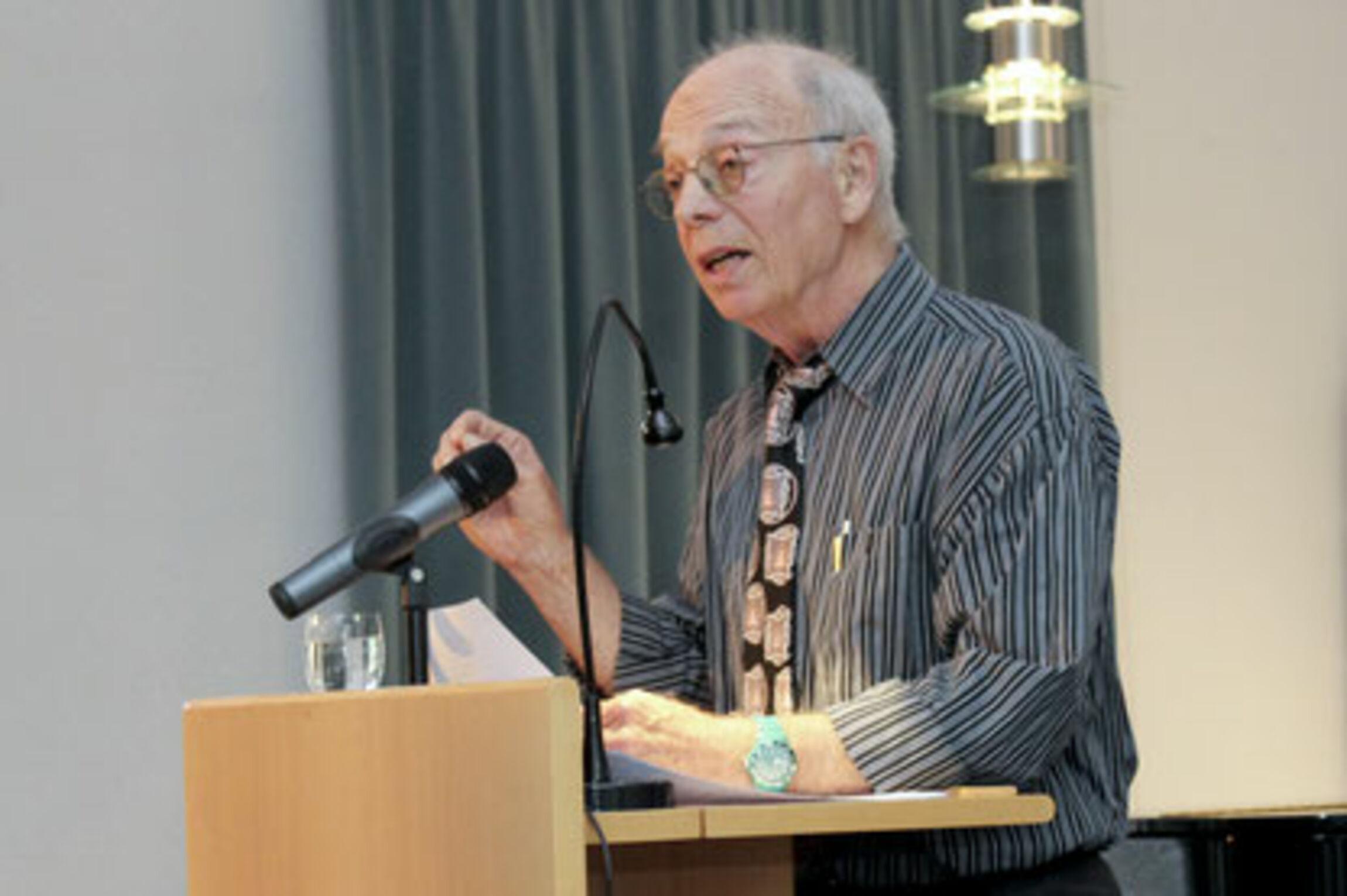 J.Gundlach