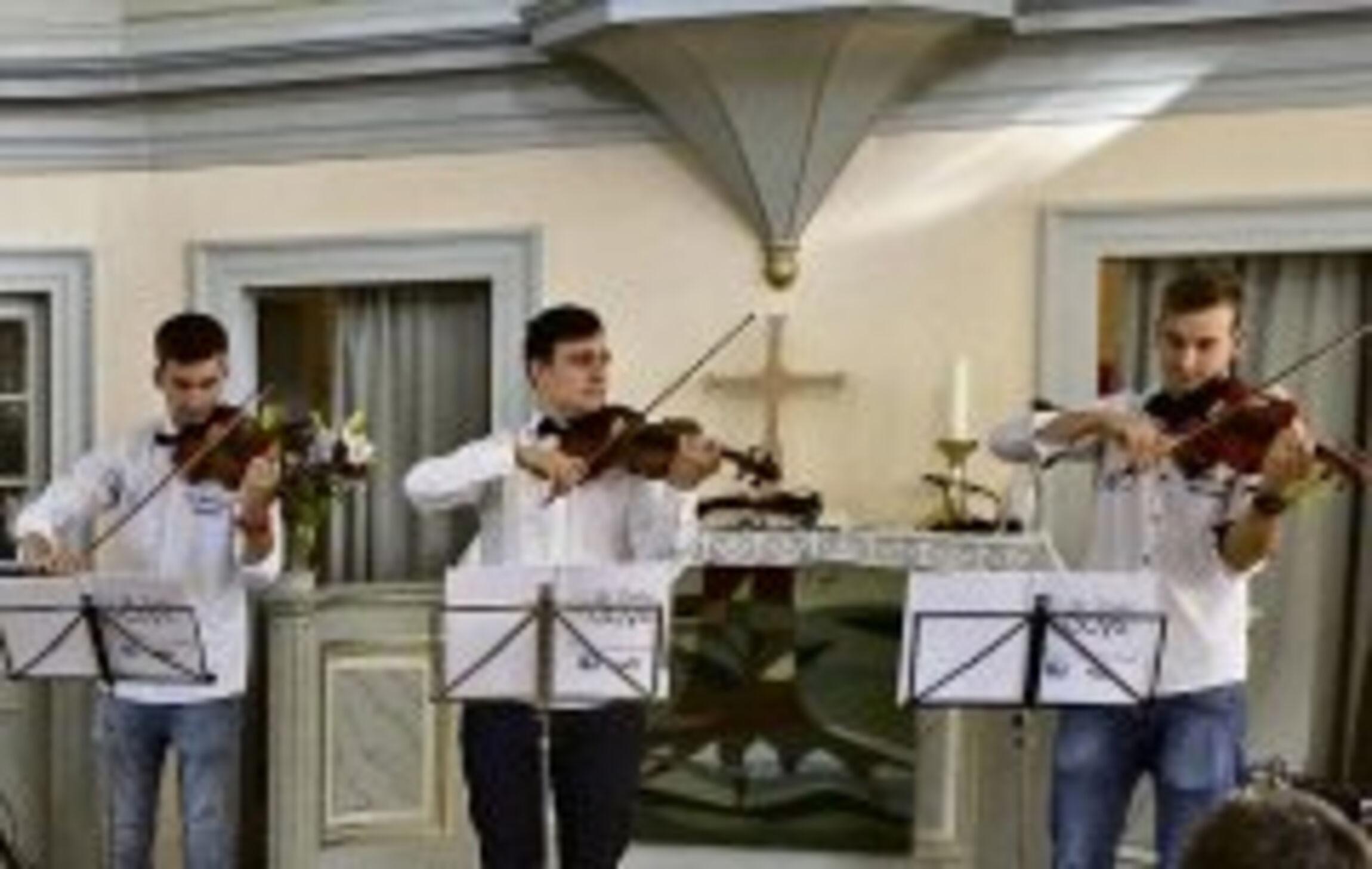 violin_guys