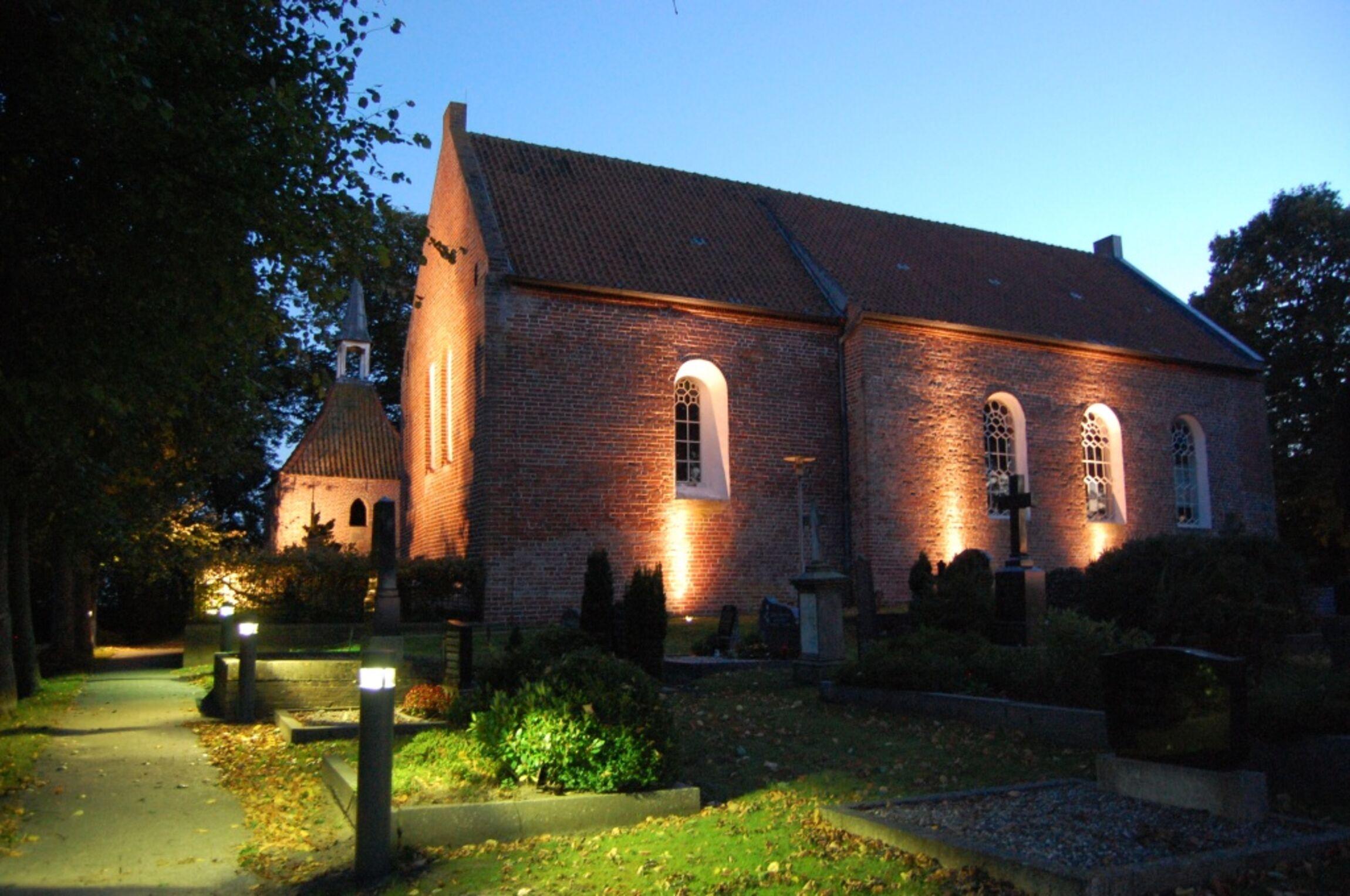 KircheHoltgaste_Licht