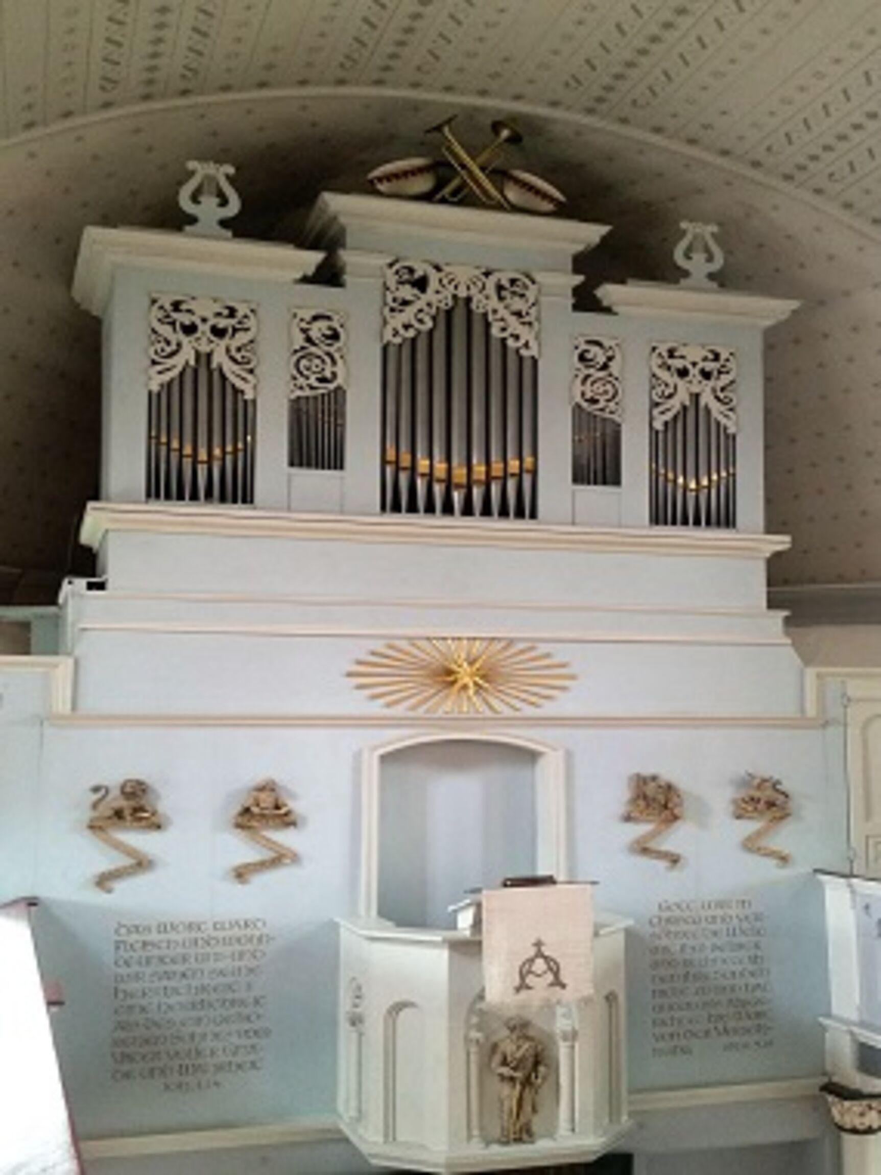 Orgel von der Empore