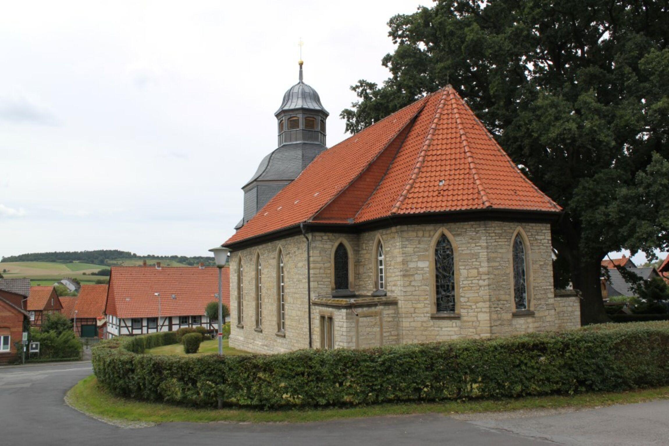 Kirche Langenholtensen
