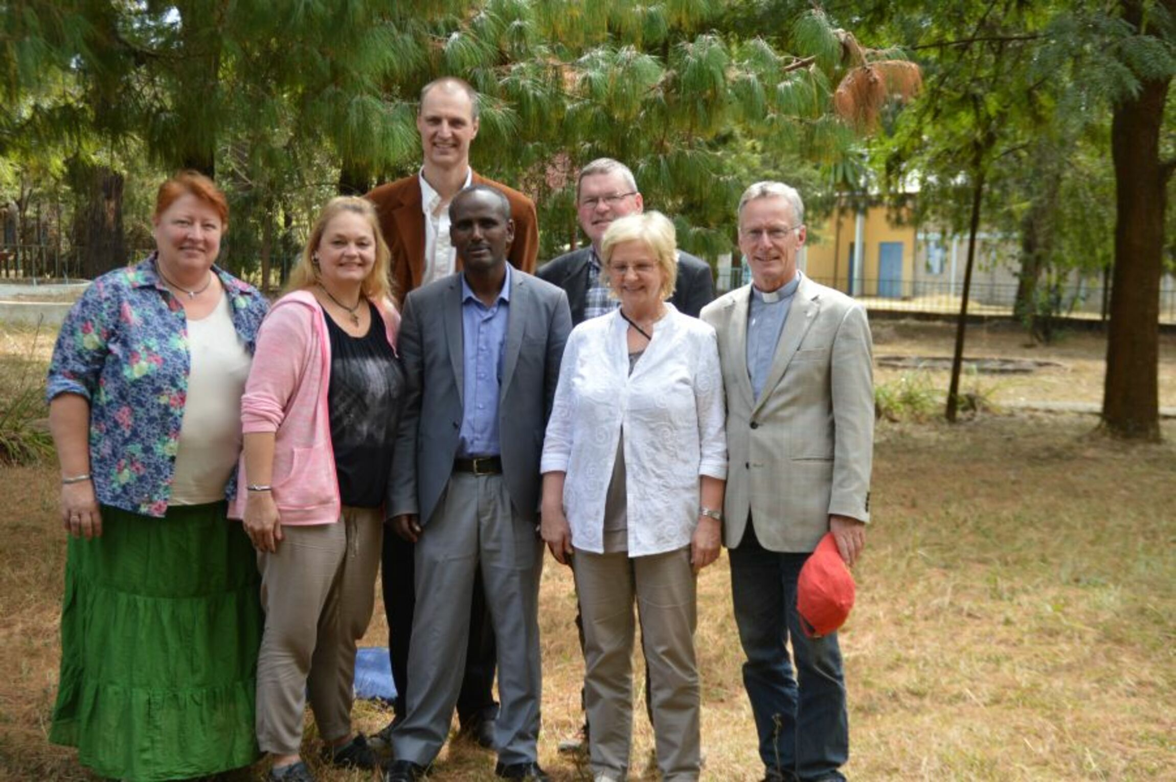 von links Regine Müller, Sonja Hertwich, Pastor Michael Fendler, Markos Shanko Mekane Jesus Kirche, Jörg Wilhelm Meier, Uta Yazdi, Pastor Peter Placke
