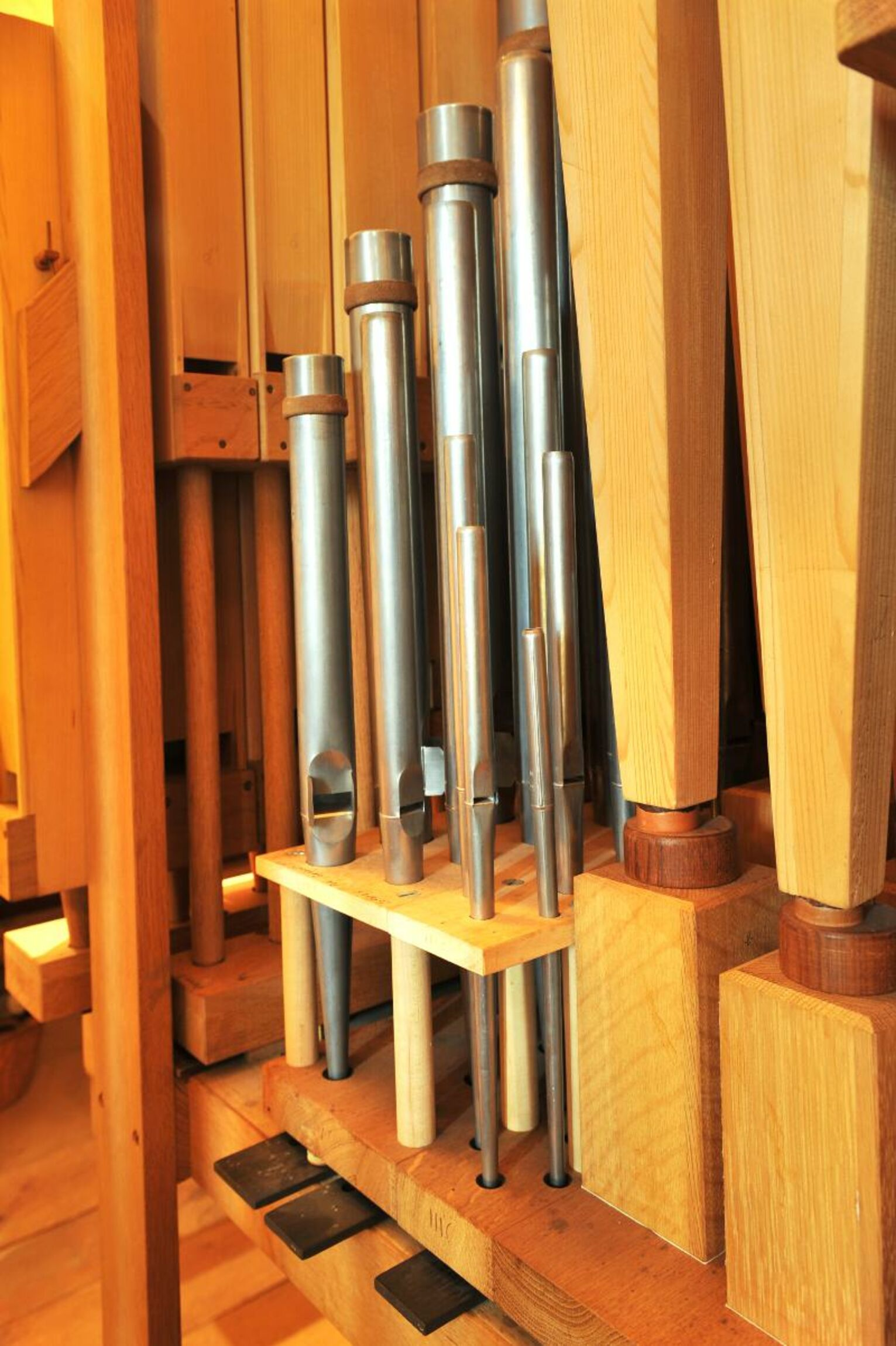 Orgel-Kroeger-Pedal-innen-i