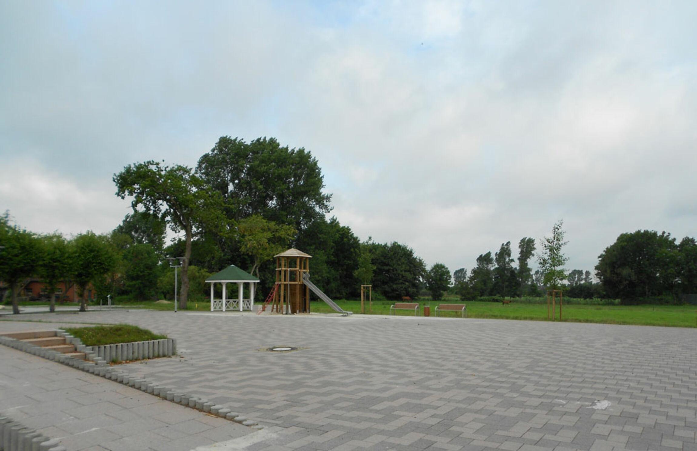 Der neue Dorfplatz in Osteel
