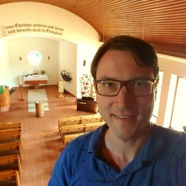 Pastor Simon Laufer