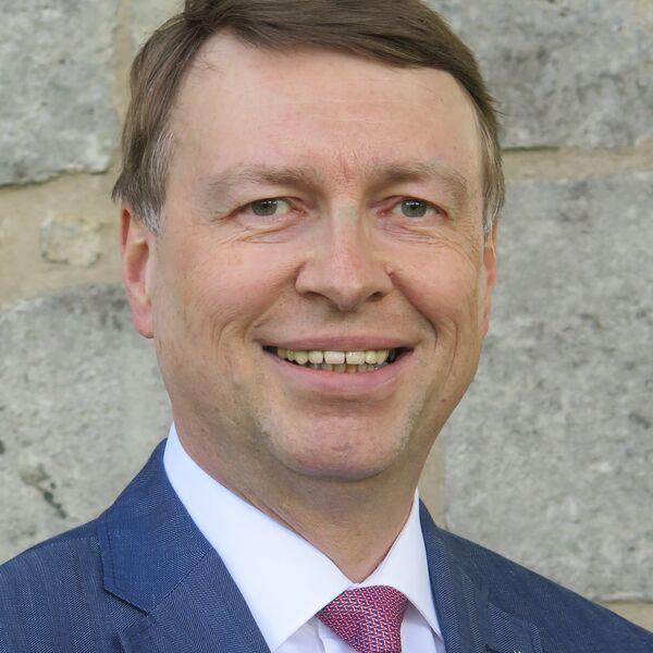 Dr Bernt Schulze