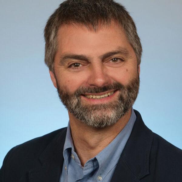 Portraitfoto von Georg Ziegler