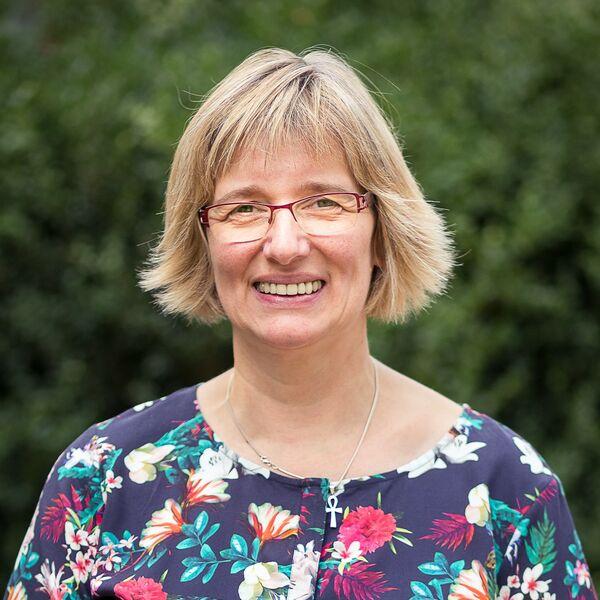 Anne Holsten