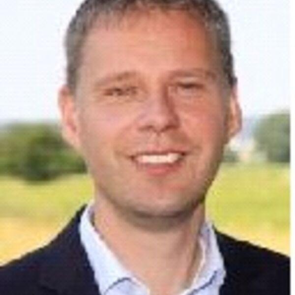 Pastor Dr. Stefan Leonhardt