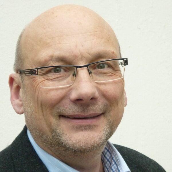 Pastor Wolfram Bach