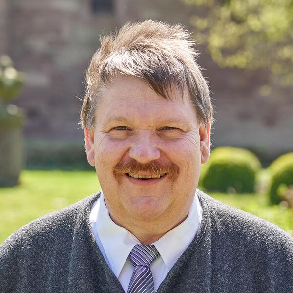 Dr. Ulf Lückel