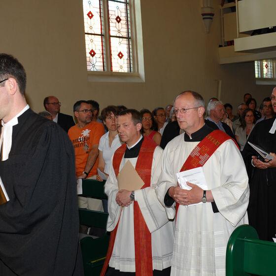 Die Pastoren der Gemeinden beim Einzug