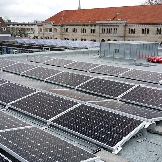 photovoltaik_brandstrasse_richtung_ministerium_sb_20160428_120300