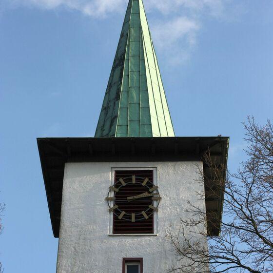 kirchturm_vom_parkplatz016