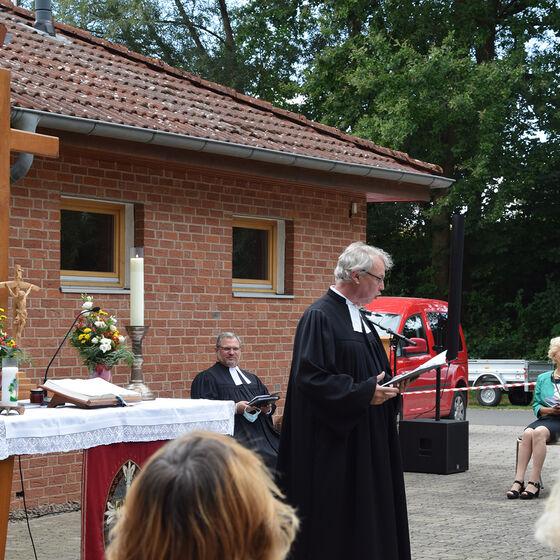 Begrüßung durch Pastor Jens-Arne Edelmann