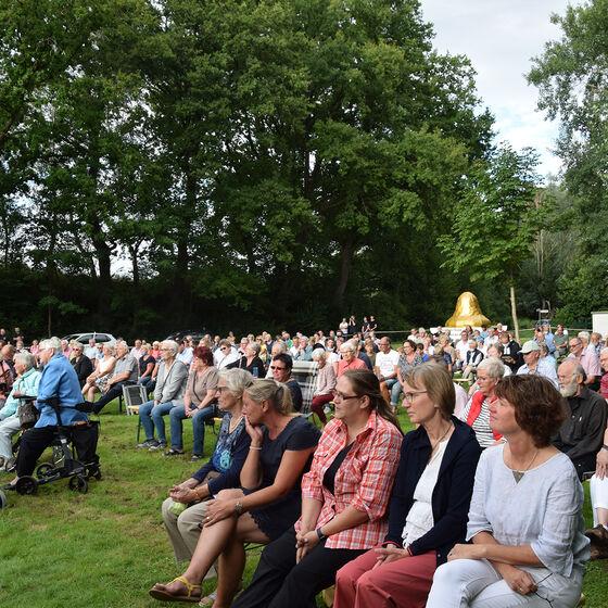 Rund 250 Gottesdienstbesucher kamen zur Verabschiedung von Pastor Edelmann