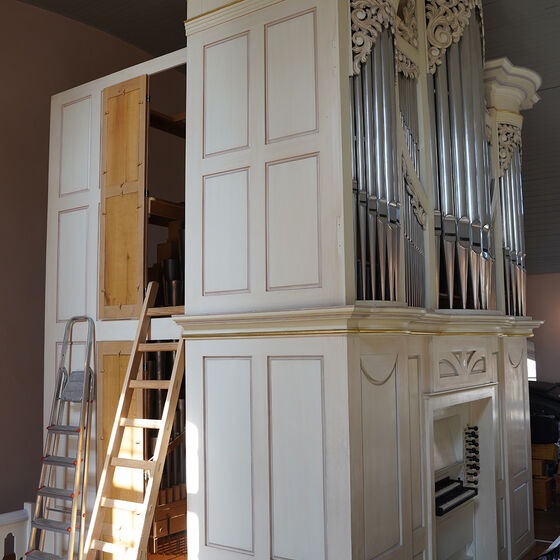 Orgelgehäuse vor dem Ausbau des Innenlebens