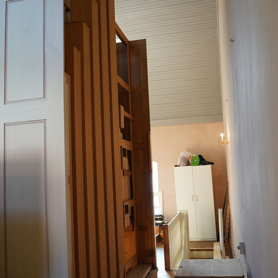 Orgelrückwand Holzpfeifen ausgebaut