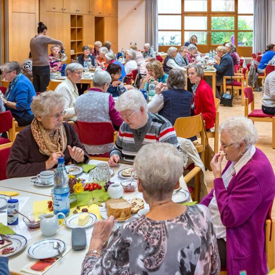 Ökumenisches-Frauenfrühstück-2017-002-Kopie