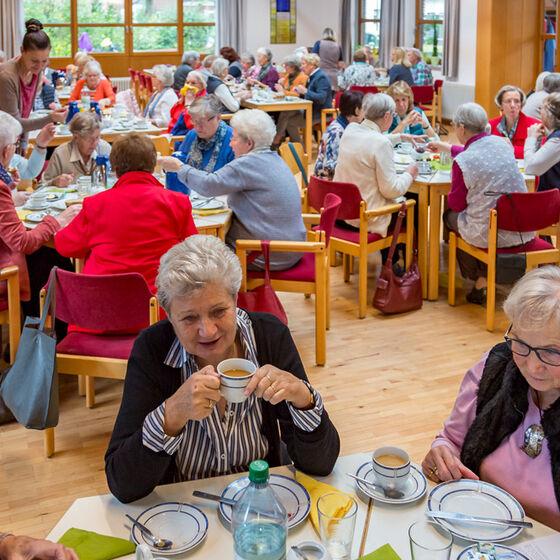 Ökumenisches-Frauenfrühstück-2017-003-Kopie