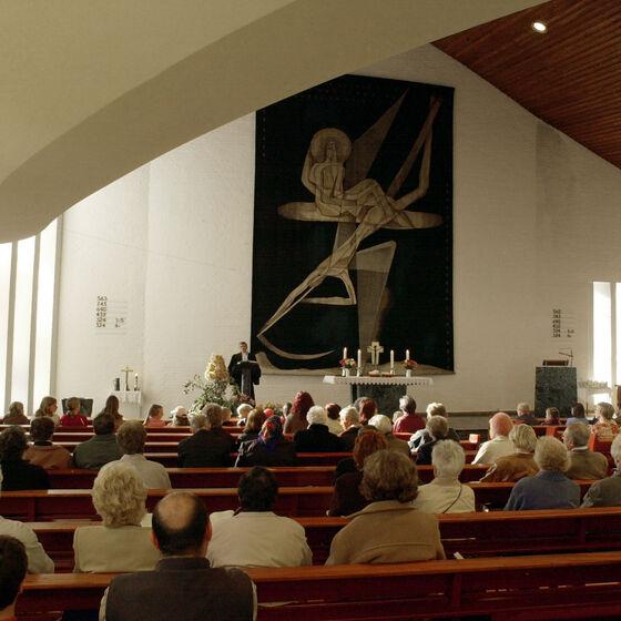 33 Altar.