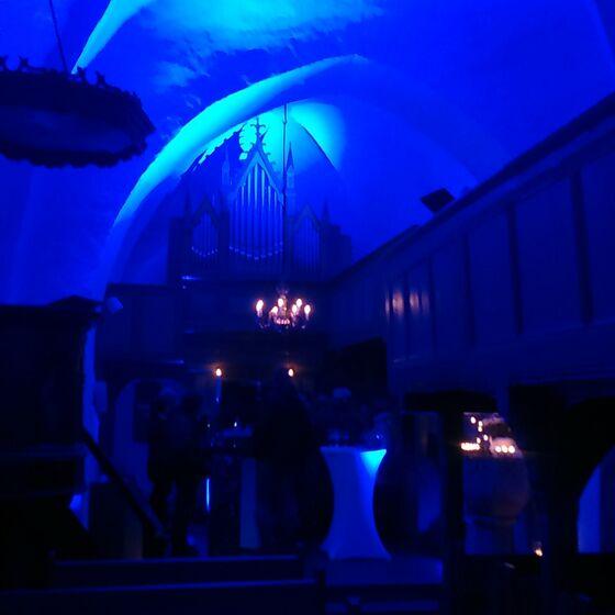 Altarraum blau