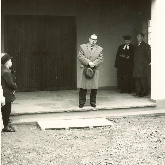 1964 Einweihung der Leichenhalle 6
