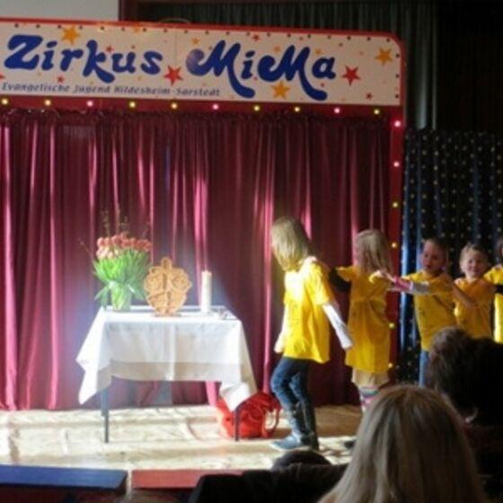 Zirkus 1 (400x300)