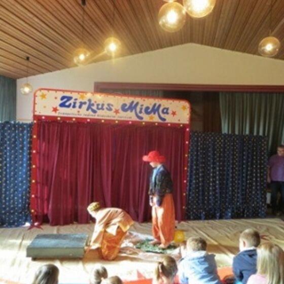 Zirkus 7 (300x400)