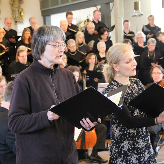 Hanna Thyssen (r.), Sopran, und Heilke Wellmann, Sopran II (Mitglied der Kantorei)