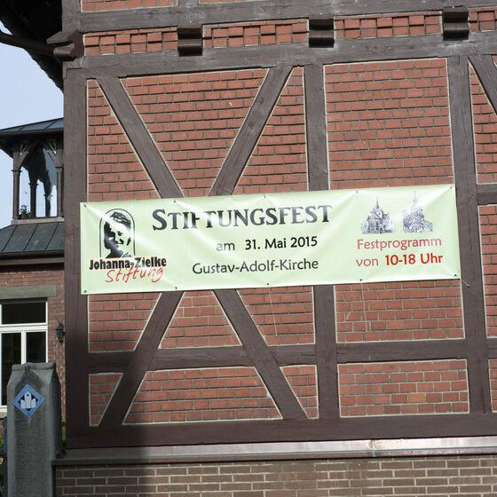 Banner am Pfarrhaus