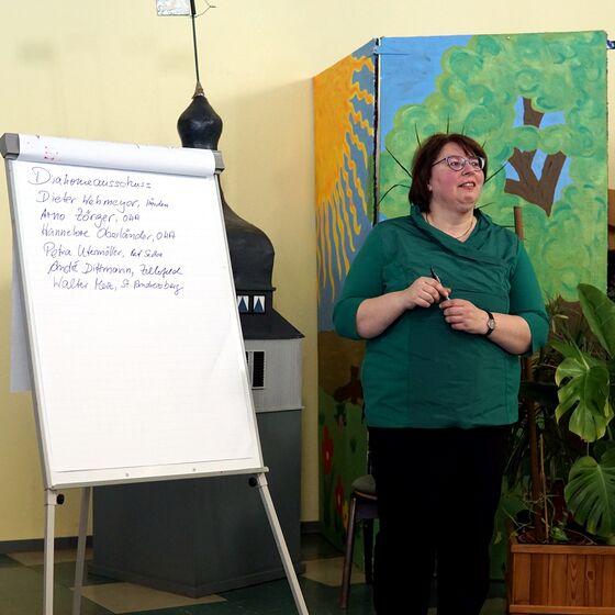 KKT, Christa Eulert vom Kirchenamt sammelte die Wahlvorschläge.