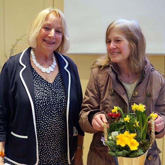 Karin Hesse-Lehmann mit Dr. Sabine Radtke