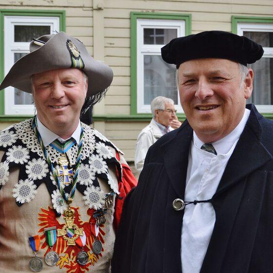 So wohlgesonnen waren sich Staat und Kirche nicht immer - Bürgermeister Becker und Sup. Keil