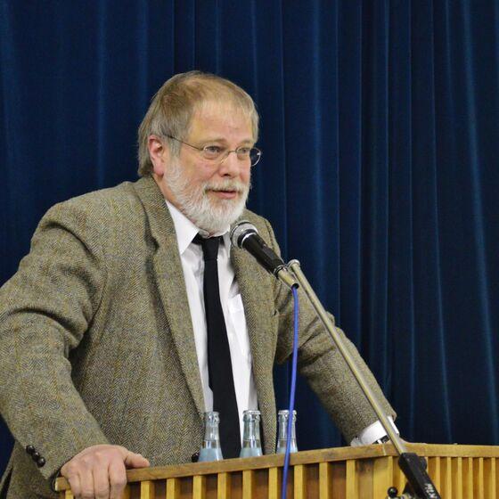 Dr. Friedrich Seven lernte das christliche Abendland als Kampfbegriff kennen