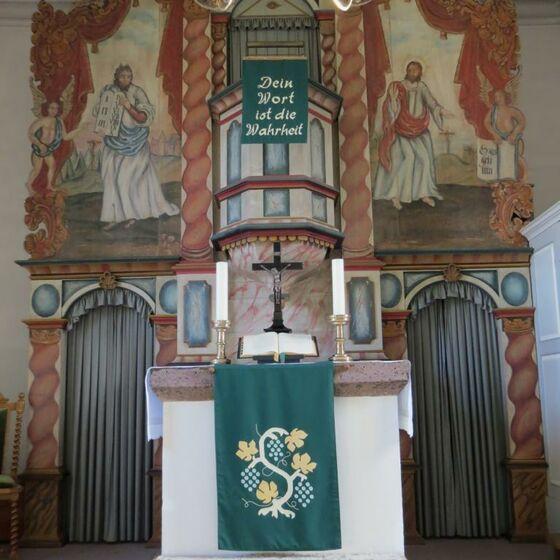 Kirche Mackensen Altar