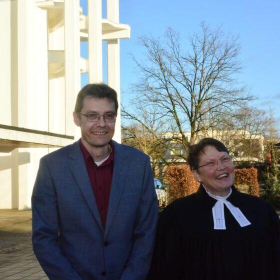 Superintendentin Löhmannsröben und Sönke Neubauer. Foto: H.-J. Thoms