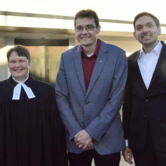 Superintendentin Löhmannsröben, Pastor Hans-Angelus Meyer und Sönke Neubauer. Foto: H.-J. Thoms