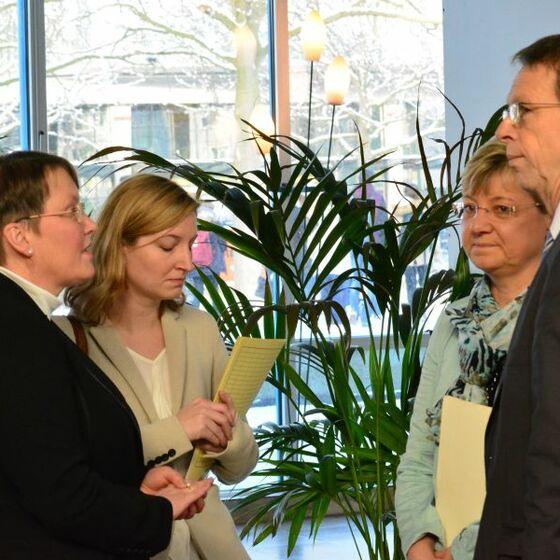 Superintendentin Löhmannsröben, Anne Bartels (pers. Referentin von Ministerin Heiligenstadt), Frauke Heiligenstadt (Kultusministerium), Klaus Mohrs. Foto: Thoms
