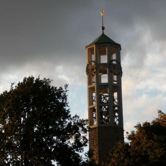 Christuskirche_Wolken_klein