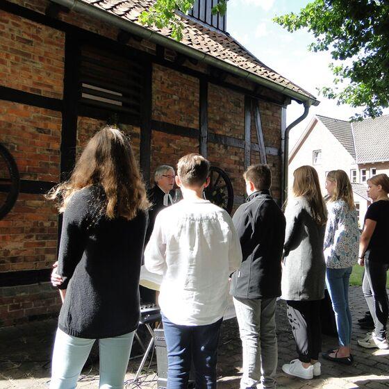 Freiluftgottesdienst auf dem Heinrich-Ruhen-Platz in Borsum