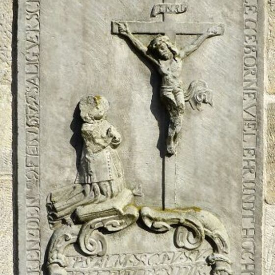 Grabplatte - kreuzigung