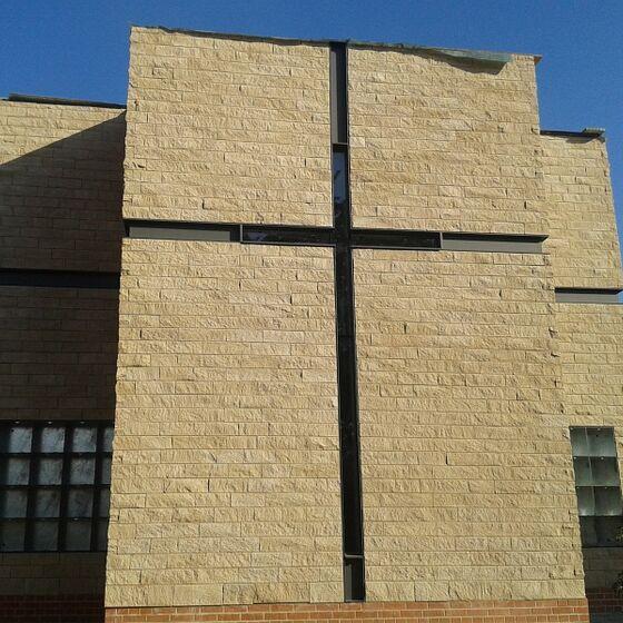 Die Kreuzfassade