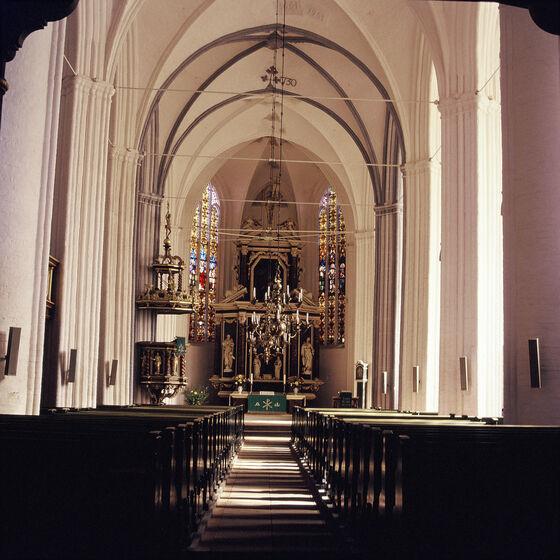 Blick in die Wilhadi-Kirche