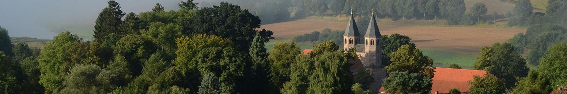 Kloster-Bursfelde_tal_im_nebel_38_1920_250_2
