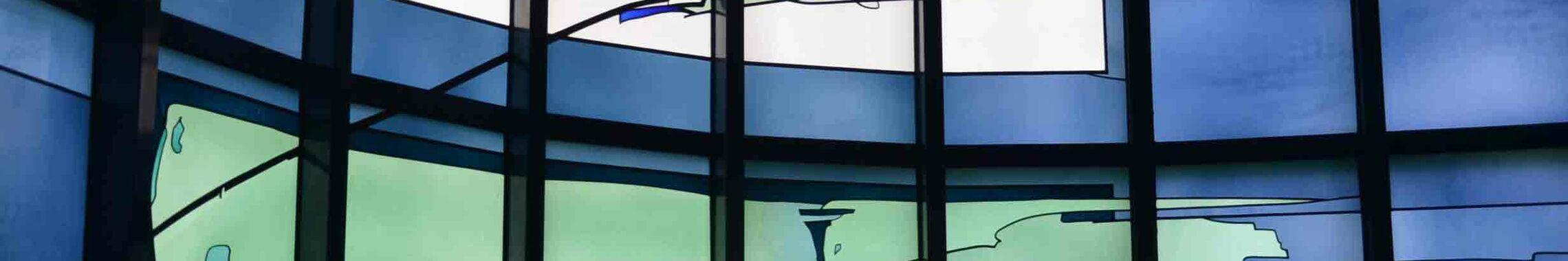 glasfenster_blau_kopf