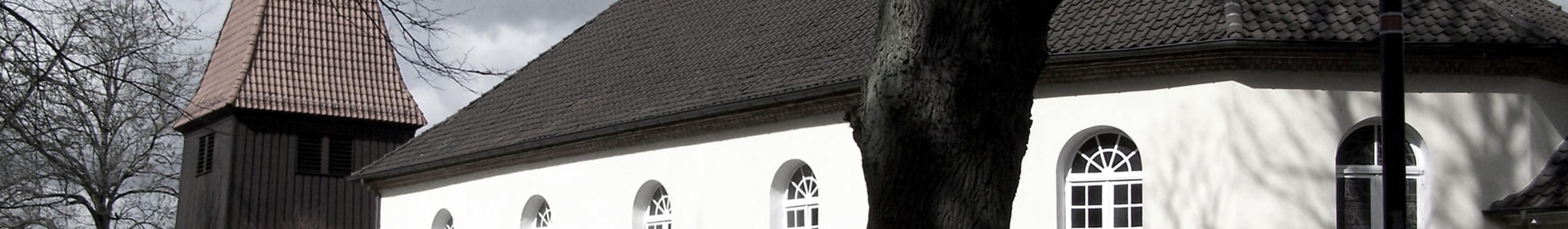 Kirche außen sw 3